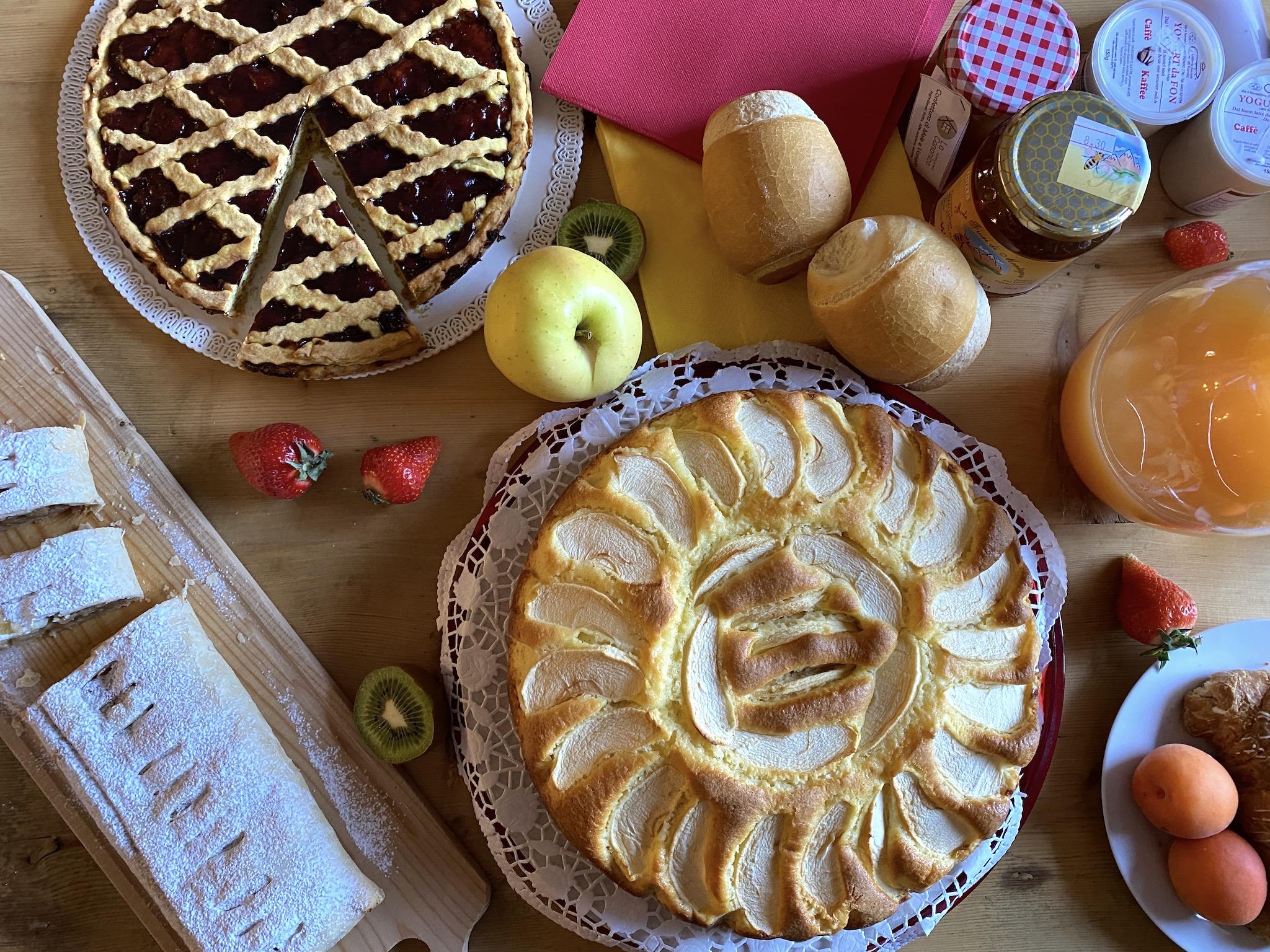 torta di mele-agriturismo la canonica