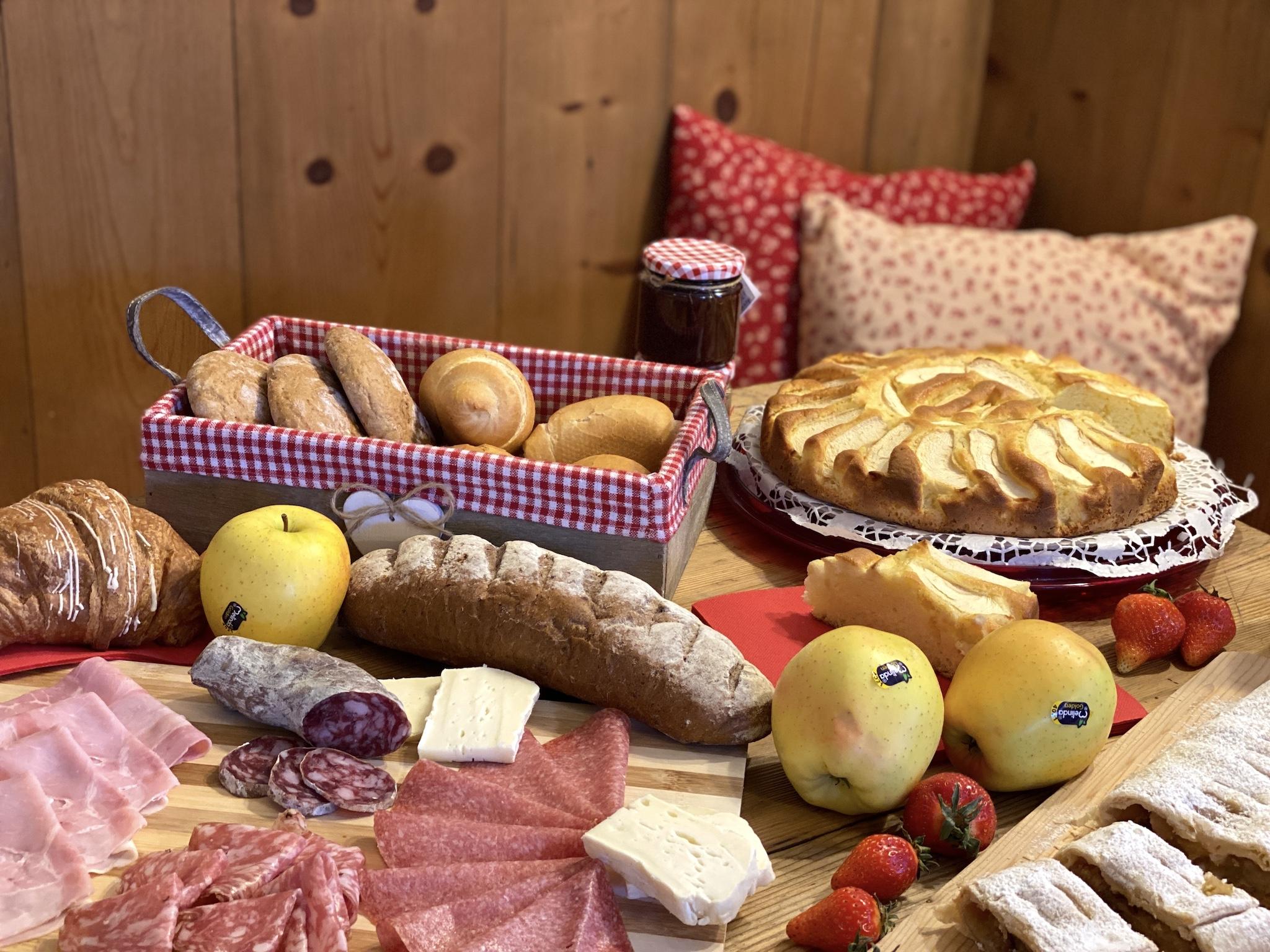 colazione dolce e salata-agriturismo la canonica